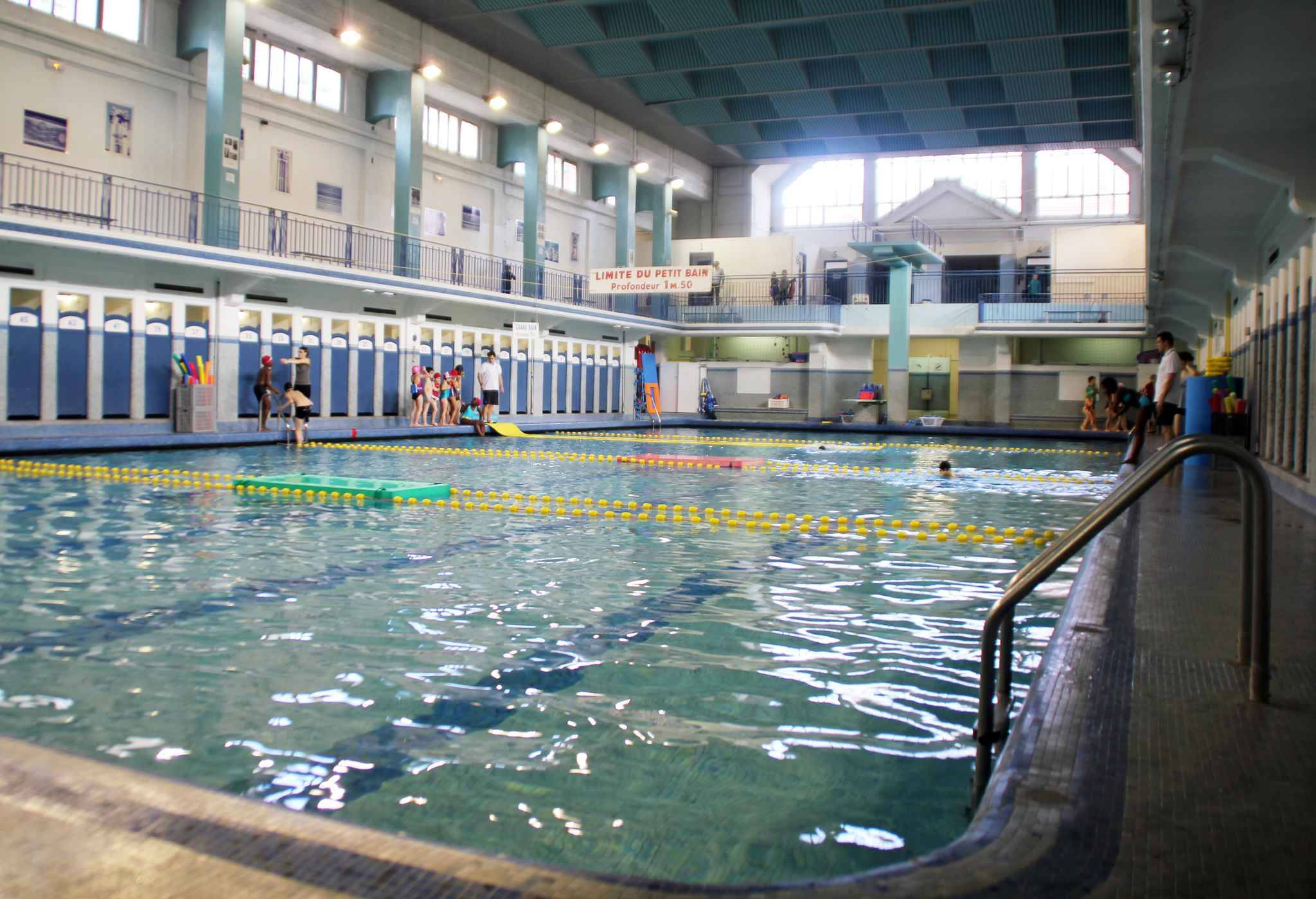 Rennes la piscine saint georges ne sera pas remplie de bi re for Piscine rennes