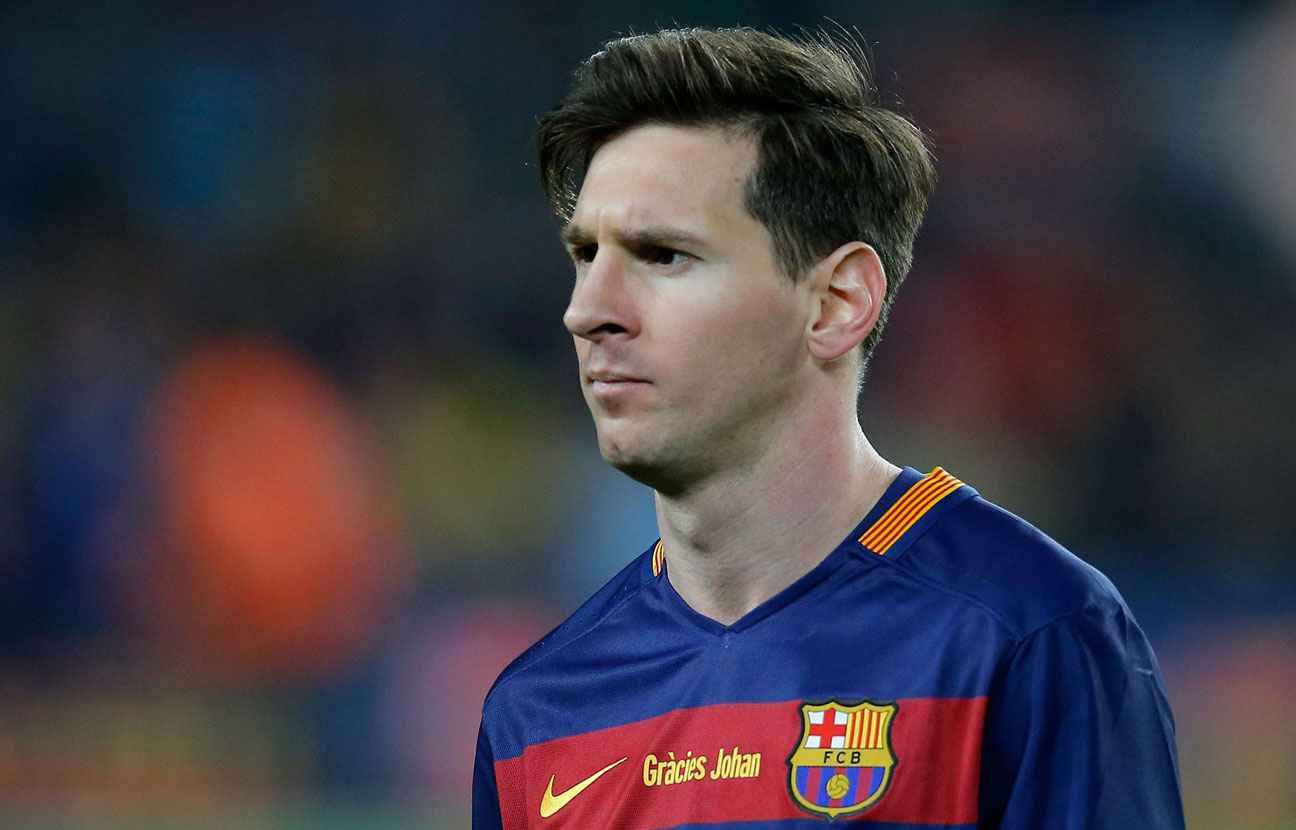 essay about lionel messi Cristiano ronaldo vs lionel messi comparison cristiano ronaldo, a portuguese footballer and striker for real madrid, and lionel messi, an argentinean forward for.
