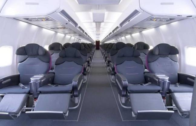 Bruxelles autorise la fusion entre us airways et american for Interieur avion