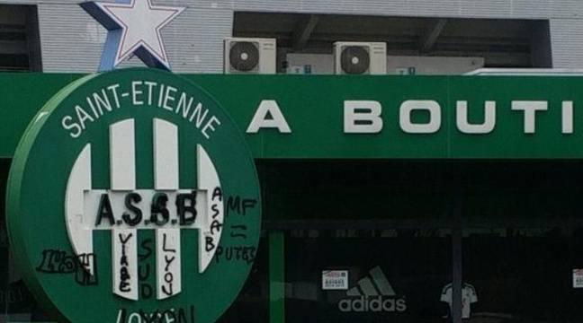 ligue 1 l 39 asse porte plainte apr s les tags de pseudo supporters football. Black Bedroom Furniture Sets. Home Design Ideas