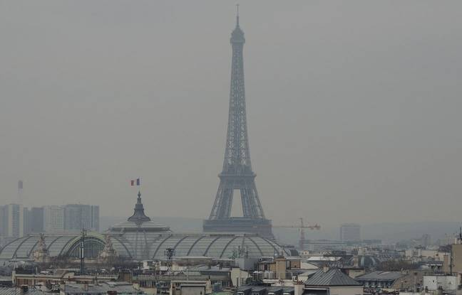 Illustration de la pollution sur Paris, le 19 mars 2015.