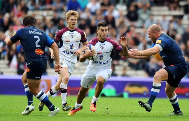Sofiane Guitoune 648x415_bordeaux-s-french-fullback-sofiane-guitoune-c-runs-with-the-ball-next-to-castres-romanian-prop