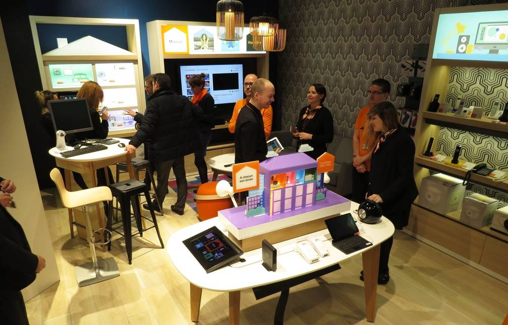 Nantes orange ouvre son plus grand megastore de france - Boutique orange narbonne ...