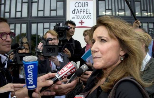 French lawyer of the AZF bereaved families' association Stella Bisseuil speaks to journalists in front of the Jean-Mermoz hall converted into a courtroom at the Park of the exhibitions in Toulouse, southwestern France, on November 3, 2011 on the opening day of the 4-month appeal trial of the September 21, 2001 blast at the AZF petrochemical plant which caused the death of 31 people and injured thousands of others. AZF was owned by the French oil giant Total. AFP PHOTO / PASCAL PAVANI