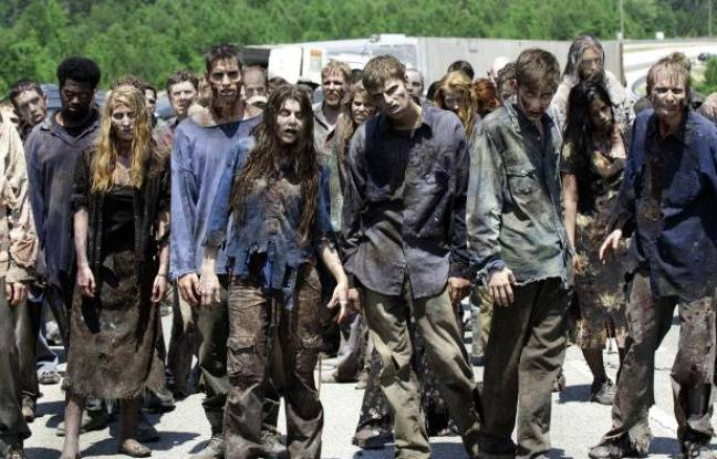 Des zombies de la série «The Walking Dead».