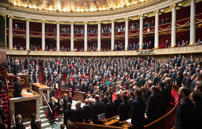 http://img.20mn.fr/KTFznXvgRveV-6V-yPNdWg/648x415_deputes-lors-minute-silence-hommage-victimes-attaques-terroristes-paris-assemblee-nationale-13-janvier-2015.jpg