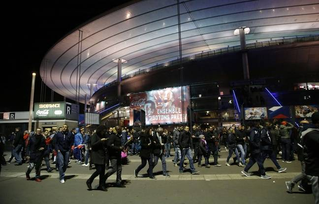 Mouvement de panique devant le Stade de France, le 13 novembre 2015.
