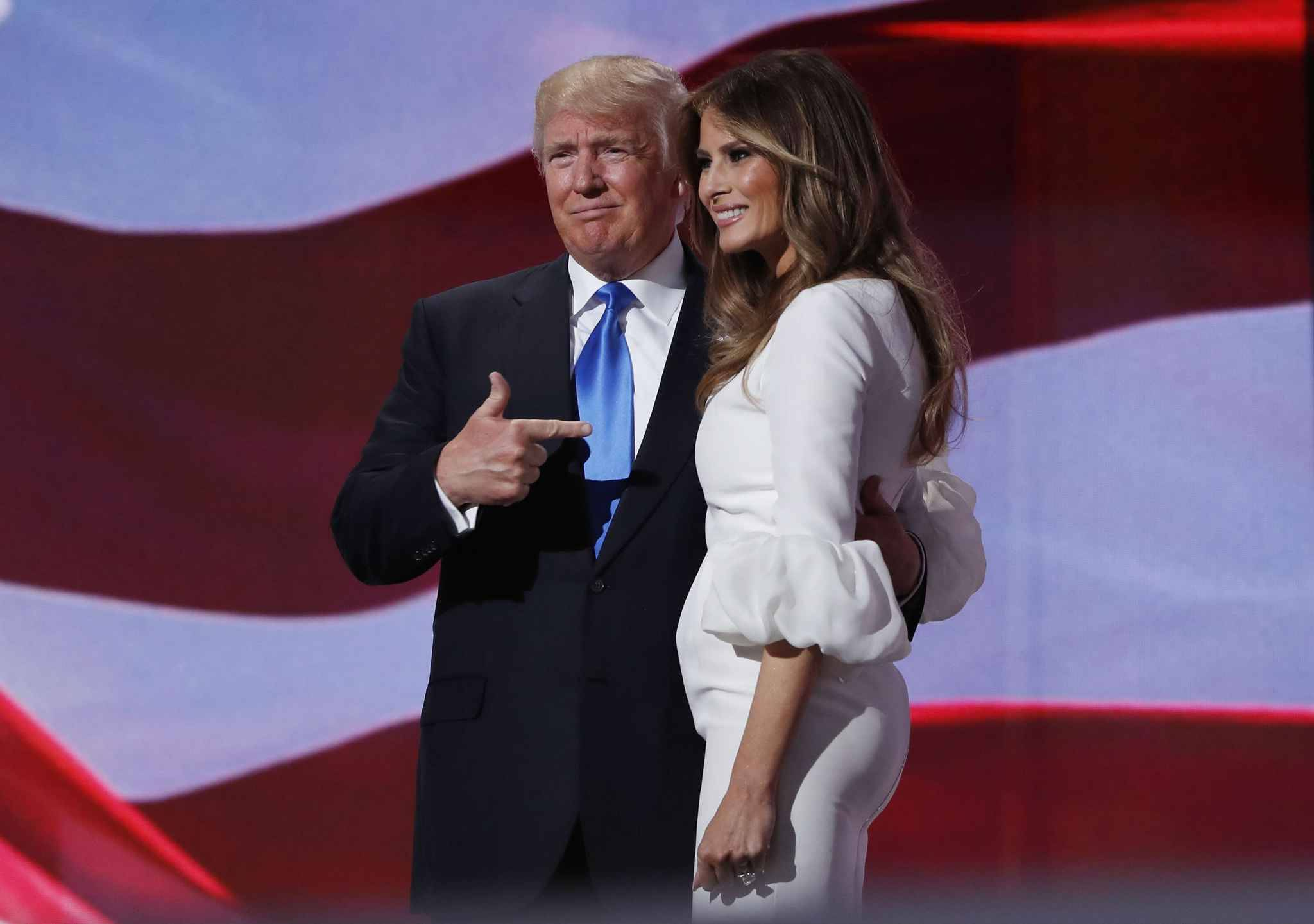 refutant passe descort girl melania trump reclame millions dollars daily mail