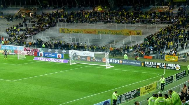 fc nantes l 39 heure creuse la passion des supporters. Black Bedroom Furniture Sets. Home Design Ideas