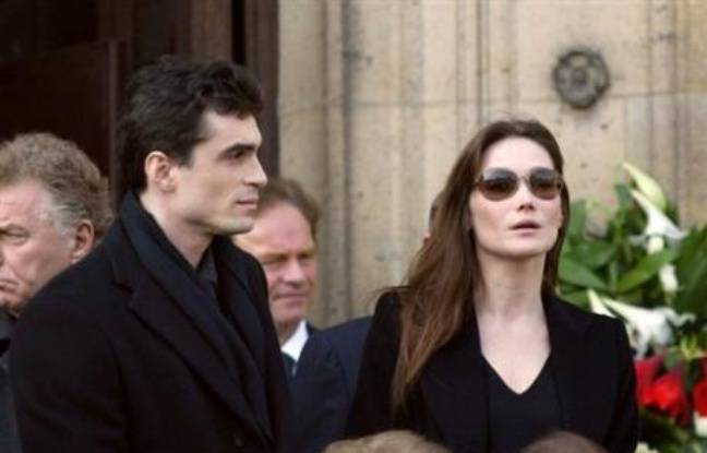 carla bruni sarkozy et rapha l enthoven d bout s contre ici paris et closer. Black Bedroom Furniture Sets. Home Design Ideas