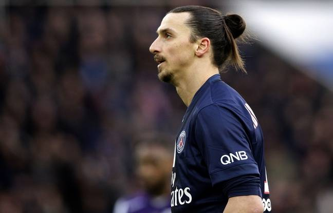PSG's forward Zlatan Ibrahimovic looks on during the French Ligue 1 football match Paris Saint-Germain vs Toulouse FC at the Parc des Princes stadium in Paris, FRANCE - 21/02/2015.  /JEE_psgplayers.16