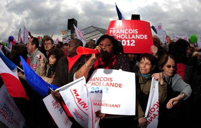 Des supporters de François Hollande à Vincennes, le 14 avril 2012.