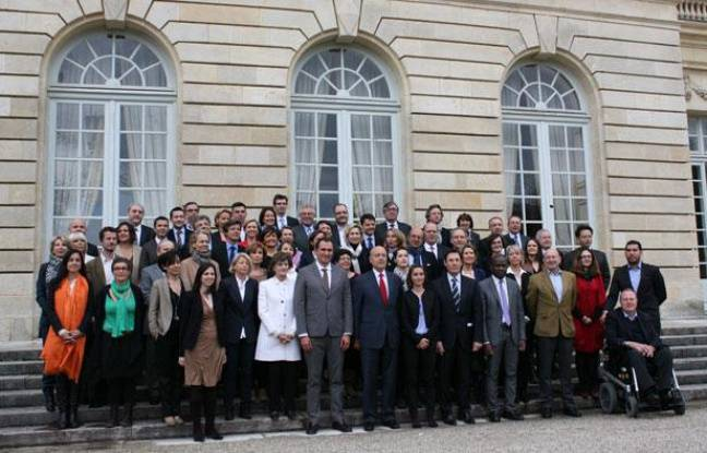 Photo de groupe du conseil municipal, le 28 mars 2014.