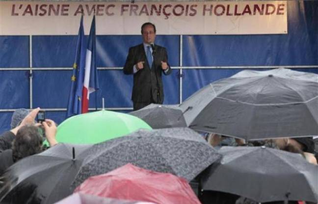 François Hollande en meeting à Hirson, dans l'Aisne, le 24 avril 2012.