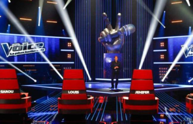 "Le plateau de l'émission de TF1 ""The Voice"""