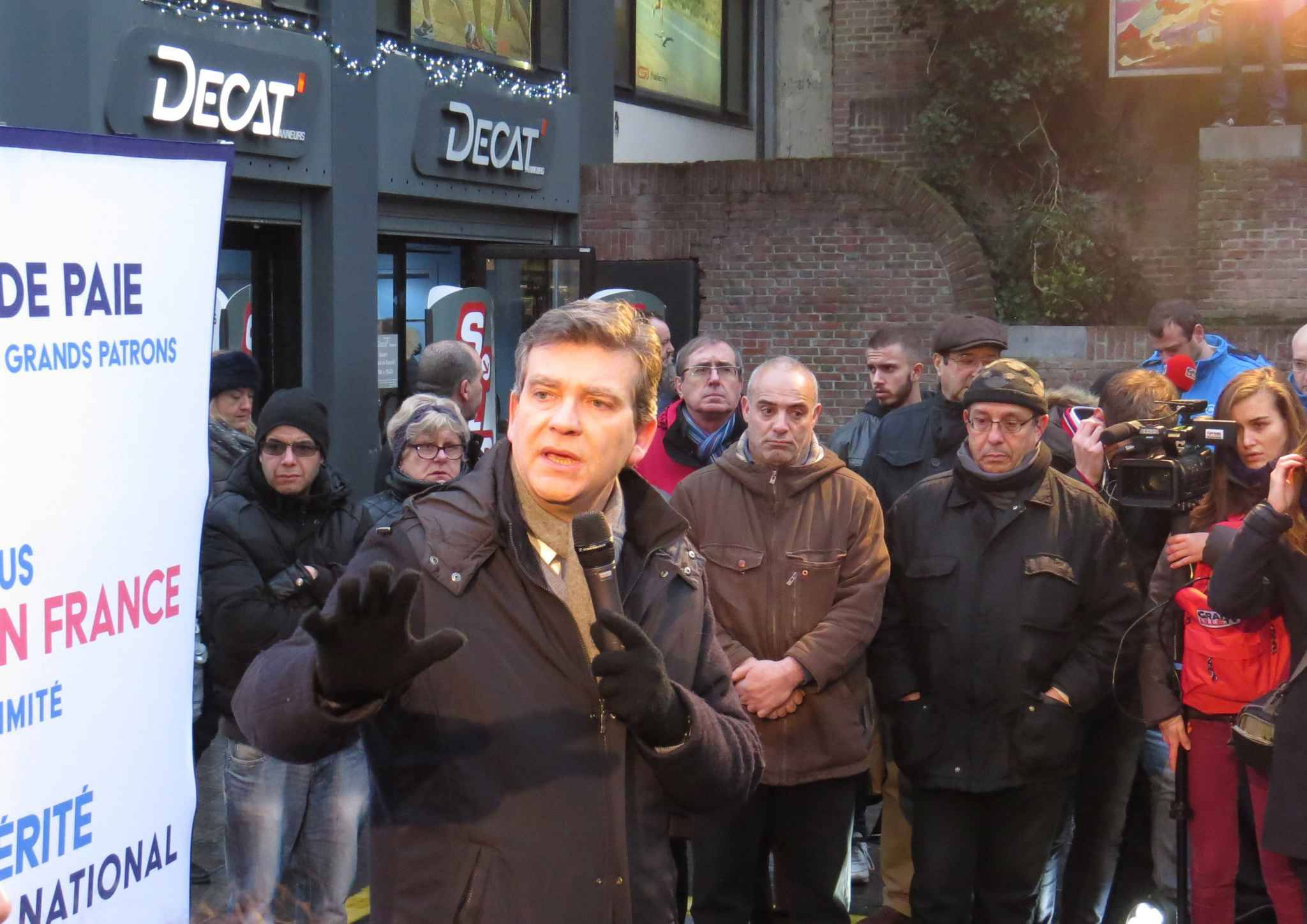 Video lille le stand up de montebourg devant une for Stand lille