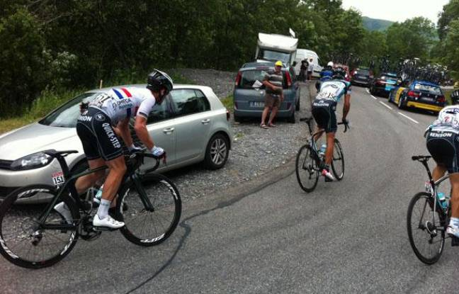 [******] Vercorin Racing Club : The Legend of cyclism - Page 3 648x415_mark-cavendish-a-gauche-habitues-gruppetto-montagne