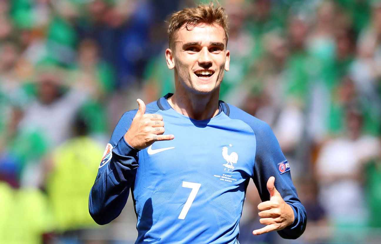 12 reasons why antoine griezmann is everyone 39 s new. Black Bedroom Furniture Sets. Home Design Ideas