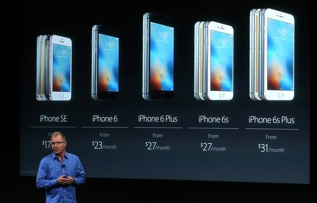 Greg Joswiak, vice-président d'Apple, lors de la keynote du 21 mars 2016 à Cupertino, en Californie.