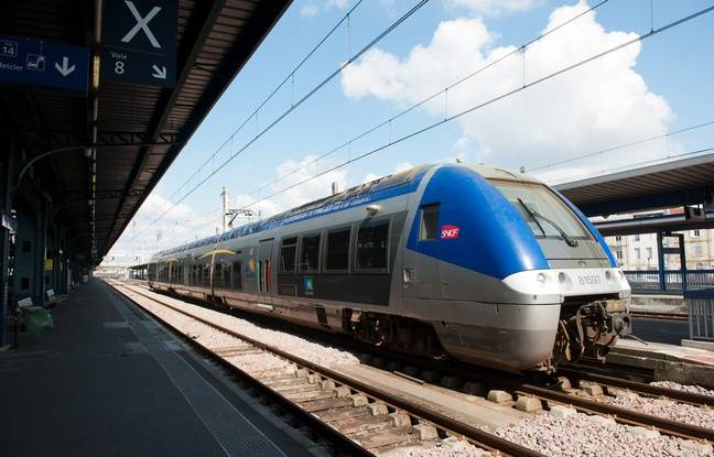 Bordeaux, 19 mars 2012. - Rame de TER transport express regional en gare de Bordeaux Saint-Jean.- Photo : Sebastien Ortola