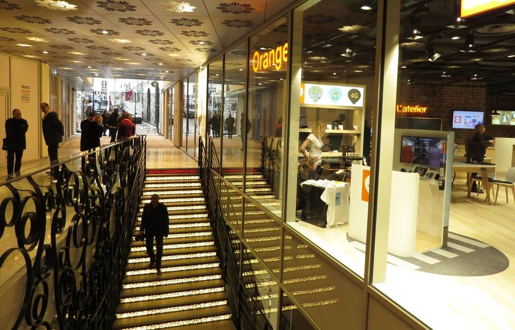 Nantes Orange Ouvre Son Plus Grand Megastore De France