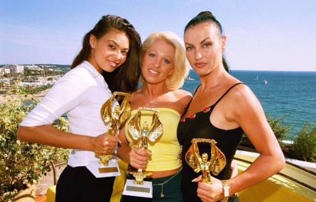 Tera Patrick, Dolly Golden et Laura Angel, lors de la cérémonie des Hot d'Or 2000 à Cannes.