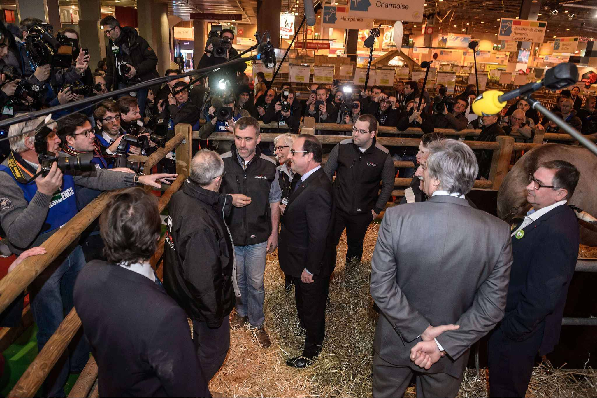 Salon de l 39 agriculture hollande hu leveurs d sesp r s for Salon l agriculture