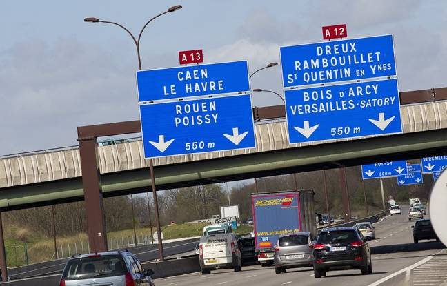 Versailles le 18 avril 2013 Illustration autoroute A13. Circulation automobile.