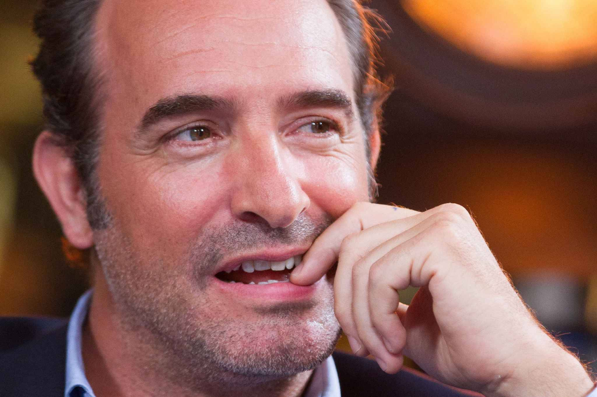 Paris jean dujardin parrain des illuminations de no l for Jean dujardin 2016