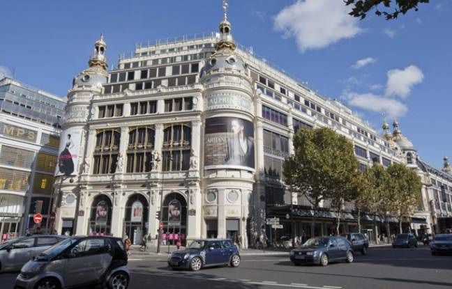 haussmann building of le printemps paris france architecture. Black Bedroom Furniture Sets. Home Design Ideas