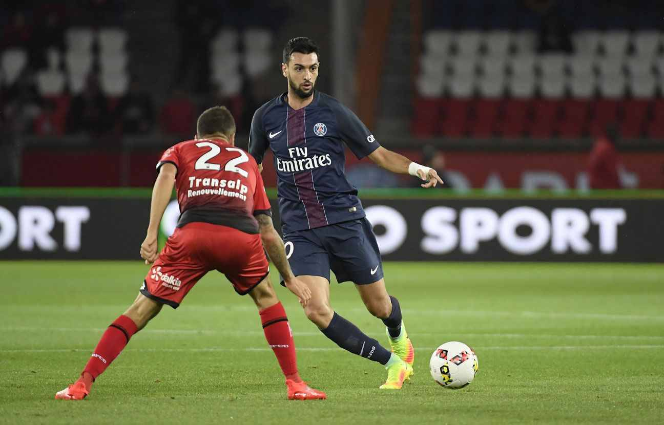 psg javier pastore absent jusqu 39 en 2017 le joueur d ment. Black Bedroom Furniture Sets. Home Design Ideas