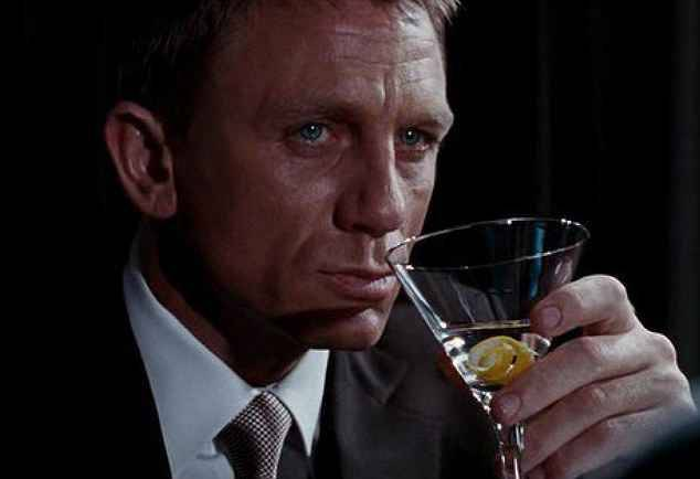 Spectre mondain ou pas james bond est surtout un agent for Cocktail 007 bond