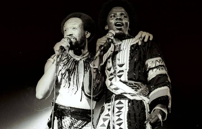 Maurice White (droite) et Philip Baily, du groupe Earth, Wind & Fire, en 1978.