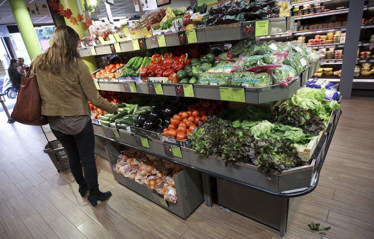 Les rayons d'un supermarché bio (illustration). – A. Gelebart / 20 Minutes