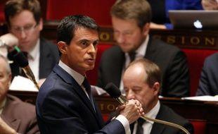 Le Premier ministre Manuel Valls à l'Assemblée, le 19 novembre 2015