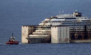 Costa Concordia le 27 juillet 2014 dans le port de Gênes