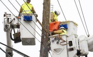 Le deuxième mandat de Barack Obama, conquis en pleine crise énergétique liée à l'ouragan Sandy, devrait mettre l'accent sur la modernisation du réseau électrique américain, les énergies renouvelables, et l'accélération du forage de gaz et pétrole de schiste.