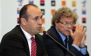 L'entraîneur du XV de France Philippe Saint-André continue sa révolution de velours en vue du Mondial-2015 en intégrant huit novices pour préparer les test-matches de novembre, dont Pierrick Gunther ou Gaël Fickou, tout en rappelant quelques cadres.