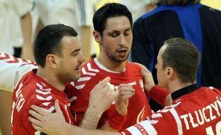 Menée de onze buts à la pause, la Pologne a réussi l'exploit de revenir à hauteur de la Suède lors de la première journée du tour principal de l'Euro de handball samedi à Belgrade.