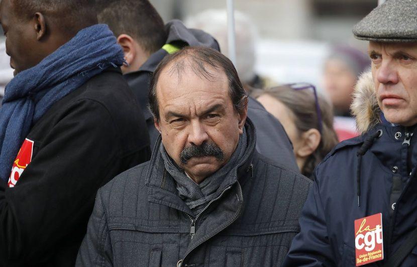 Trains à Noël : Pour Philippe Martinez, « si le gouvernement retire son projet », alors « tout se passera bien »