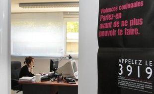 Le numéro dédié aux violences conjugales 3919 a traité plus de 40.000 appels en 2011, selon les données fournies dimanche par Solidarité femmes, qui relève que le nombre d'appels enregistre des pics lors des campagnes d'information et réclame que celles-ci soient plus régulières.