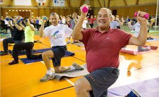 En plus de la tonicité musculaire et du maintien d'un bon niveau cardiovasculaire le sport est un bon moyen de créer du lien social.