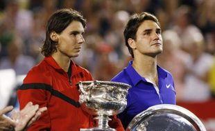 Roger Federer cache mal son émotion après sa défaite contre Rafael Nadal en final de l'Open d'Australie.
