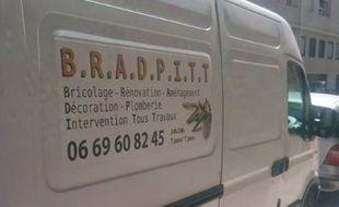 Il a appelé son entreprise Brad Pitt !