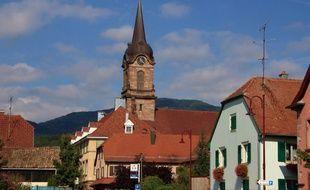 Un prêtre a été mis écroué en Alsace pour avoir dépouillé de vieilles femmes. Il est mis en examen pour abus de la faiblesse de personnes vulnérables mais également pour des violences sur ces personnes. L'homme d'Eglise officiait dans les paroisses de Wattwiller et d'Uffholtz (photo).
