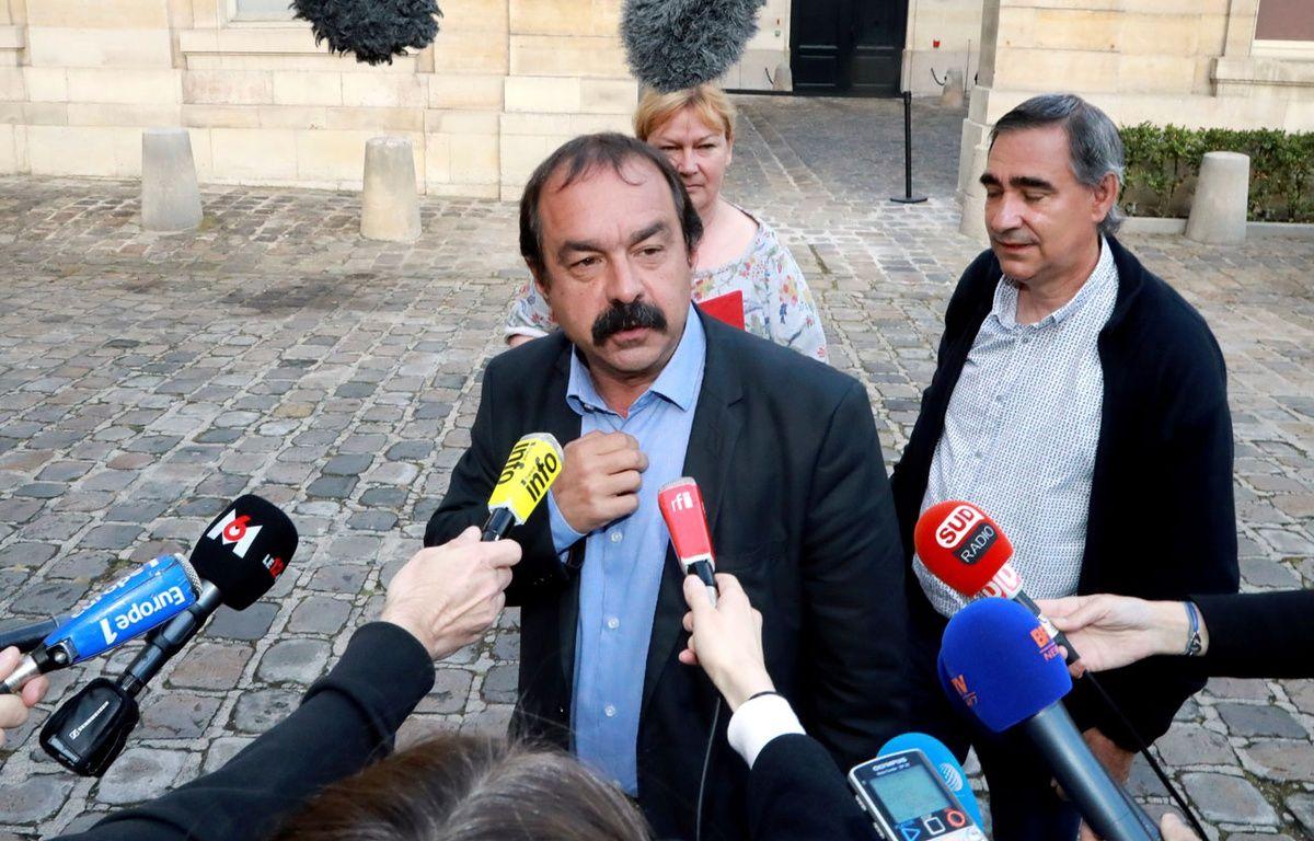 Philippe Martinez (CGT) après sa rencontre avec la ministre du Travail Myriam El Khomri, le 17 juin 2016. – JACQUES DEMARTHON / AFP