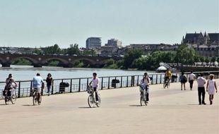Les quais et leur grande promenade sont particulièrement appréciés des cyclistes.
