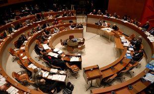 La salle du conseil municipal de Strasbourg, et du conseil de l'eurométropole.