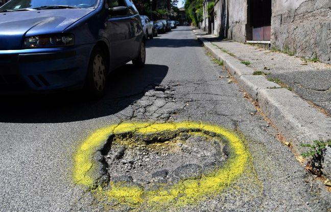 Italie: L'appel d'une mère pour signaler les nids-de-poule «meurtriers» à Rome Nouvel Ordre Mondial, Nouvel Ordre Mondial Actualit�, Nouvel Ordre Mondial illuminati