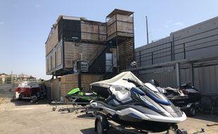 Le site disposait d'un rooftop monté sans autorisation.